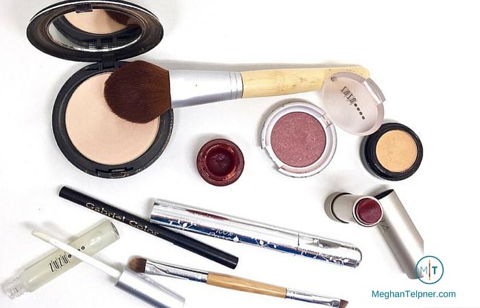 UnPacking My Makeup Bag